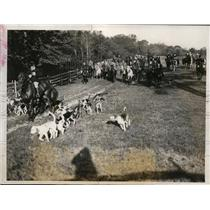 1932 Press Photo Meadowbrook pack hunt at Long Island NY - nes40992 - nes40992