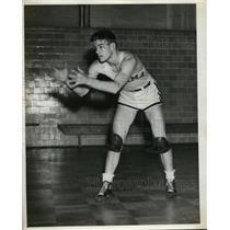 1937 Press Photo Basketball player for Alabama Tut Warren guard - nes40896