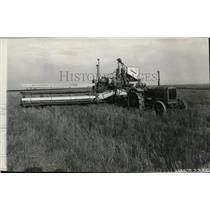 1928 Press Photo Harvest Scene - spa00262