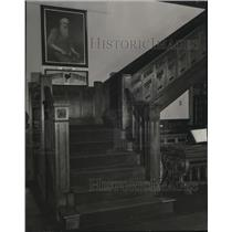 Press Photo Walnut stairway at the Western Reserve Historical Soc - cva83169