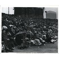 1972 Press Photo Overflow crowd in a rainy weather during Browns VS Pittsburgh