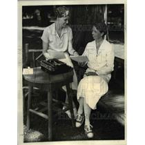 1932 Press Photo Mrs. Franklin Roosevelt with daughter, Mrs. Curtis Dall