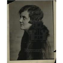 1925 Press Photo Virginia Swain writer for NEA  - nee86150
