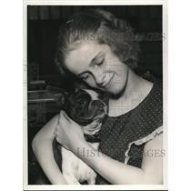 1938 Press Photo Rae King of 1065 Sylvan Ave. Lakewood and Dynamite. - cva96055