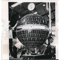 1960 Wire Photo 500 pound Courier satellite the U.S Army Signal Corp vehicle