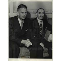 1933 Press Photo Elliot Roosevelt with his attorney Samuel Platt - cvb00238