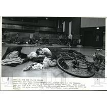 1987 Press Photo Riders sleeps at Shawnee State College Auditorium in Portsmouth