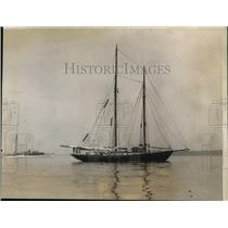 1928 Press Photo Ship Pinya owned by WJ Curtis at Rye NY Regatta - nes41432
