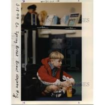 1999 Press Photo A boy waiting at the Portland International Airport - orb36652