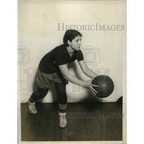 1927 Press Photo Angelina Pisano of Savage Normal school basketball in NYC