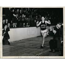 1941 Press Photo Greg Rice at Cleveland Ohio 2 mile indoor race win - nes42346