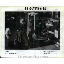 1995 Press Photo Security at the Portland International Airport - orb36558