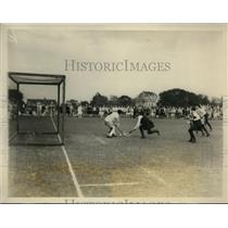 1928 Press Photo US vs English girls field hockey at Merion club in PA
