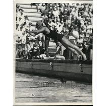 1932 Press Photo Takashi Yokoyama in last lap of 4x200 Relay Swim at LA Olympics