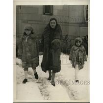 1930 Press Photo Chilean Ambassador's Family Enjoy Washington Snowfall
