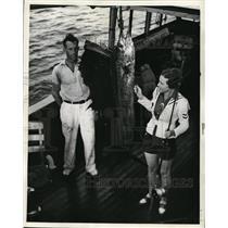 1938 Press Photo Chloe Travis & Bill DeWaal with sailfish caught at W Palm Beach