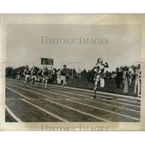 1931 Press Photo 440 yard dash at Illinois track Russell wins vs Davison, Hayne