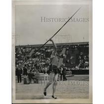 "1941 Press Photo Don Vosberg of Marquette U in javelin throw 200' 7"" - nes44402"