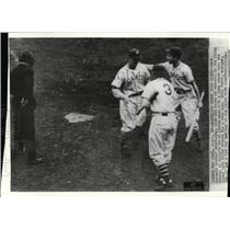 1936 Press Photo Dick Bartell of Giants Greeted by Bill Terry After Home Run