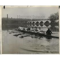 1929 Press Photo Pennsylvania U crew on Schuykill River at practice - nes44854