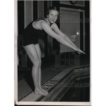 1936 Press Photo Marian Mansfield Northwestern University swimmer at AAU meet