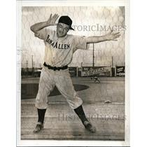 1941 Press Photo Cletus Boots Poffenberger, Former Brooklyn Dodgers Pitcher