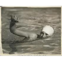 1932 Press Photo Swimmer Helene Madison in swim at a pool - nes45188 - nes45188