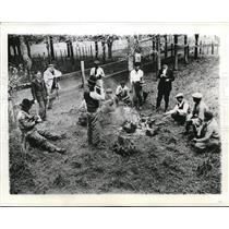 1941 Press Photo Gauchos aka Argentine cowboys at a ranch dinner - neb68012