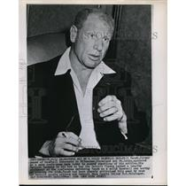 1956 Press Photo Bill Veeck former owner of baseball teams in Detroit Michigan