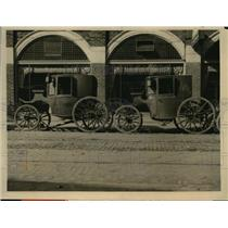1926 Press Photo Henry Ford Enlarges Collection Early American Vehicles & Tools