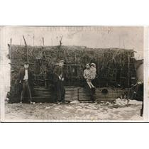 1931 Press Photo Thatched hut 10 miles outside of Pittsburgh PA