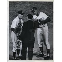 1962 Press Photo Yankee manager Leo Durocher, Tom Davis & ump Augie Matell