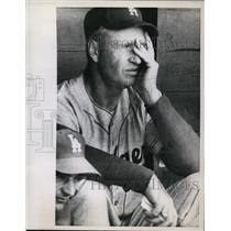 1958 Press Photo LA Dodgers manager Walt Alston at game vs Red Sox