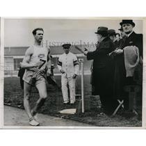 1937 Press Photo John Mikaelson Swedish walking chamo at White City stadium