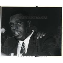 1990 Press Photo Dexter Manley Washington Redskins Lineman - ora56263