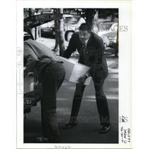 1992 Press Photo Former Trail Blazer Maurice Lucas and Bob Coltrane Meal A Gram