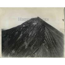 1929 Press Photo The Santa Maria volcano smoking from the peak - cva22557
