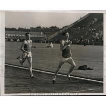 1938 Press Photo Princeton track meet 3/4 mile Wayne Rideout, G Cunningham
