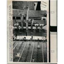 1964 Press Photo British & Czech swimmers at Toyko Olympic swim practice