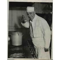 1932 Press Photo Joe Meyers, Baseball Player, Now a Cook in Cafe in CA