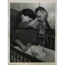 1949 Press Photo Ezio Pinza now a Grandfather - ned90185