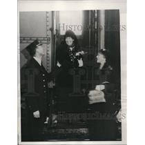 1932 Press Photo Mrs. Theodore Roosevelt Sr. Leaves for Manila Philippines