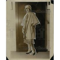 1928 Press Photo Cape coat and one piece dress with the green shades tie