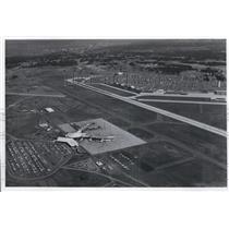 1977 Press Photo A $3 million re-paving project at Spokane international Airport