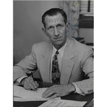 1953 Press Photo Bill Lindquist Sand Lot Baseball Team Manager - cvb63758