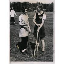 1935 Press Photo Virginia Quigley, Maude Sharpe at Women's LaCrosse tourny