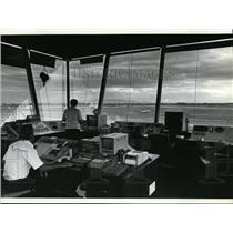 1981 Press Photo Lou Rosgen and Doug Greene at Spokane International Airport CT