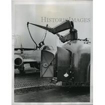 1951 Press Photo Twin booms from all-welded trailer fill the two fuselage tanks