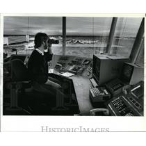 1988 Press Photo Bob Norman at Spokane International Airport Control Tower