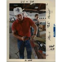 1989 Press Photo Dave Lewis works on stabilizer on a RV-4 - orb00209